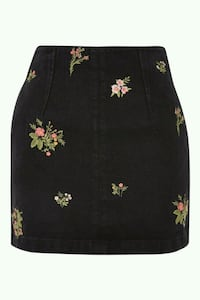 BNWT EMBROIDERED FLORAL SKIRT Toronto, M5B 2H5