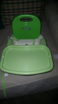 baby's green and white high chair McLean, 22102