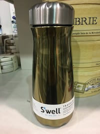 Swell Gold Color Bottle 556 km