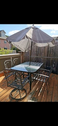 Patio table and chairs Mississauga, L5M 0G1