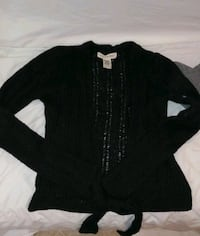 Super cute black sweater small Elizabethtown