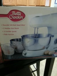 Betty Crocker food stand mixer box Knoxville, 37921