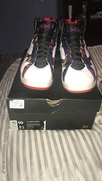 Sweater 7's size 10 with box