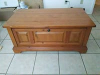 coffee table with drawer and on wheels. Duncan, 73533