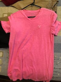 heater pink V-neck t-shirt