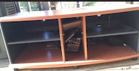 Tv stand in good shape  Knoxville, 37938