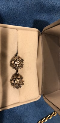 Silver and black floral pendant necklaceSilver diamond  antique a very beautiful Cherry Hill, 08002