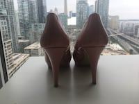 pink high heel size 8  good condition  Toronto, M5G 0B1