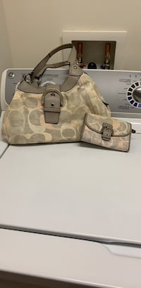 Peach and gray coach pocketbook with matching wallet Winchester, 22601