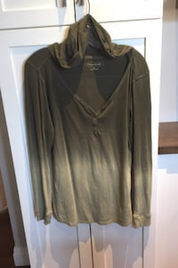 Woman's hooded top size XL  London, N6B
