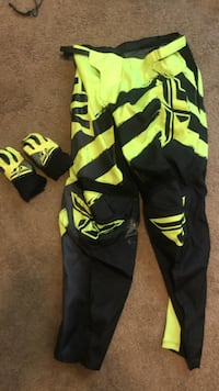 Fly Racing F16 Pants 34  gloves M Chesterton, 46304