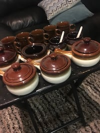 Bowls with handles and coffee mugs Bakersfield, 93305