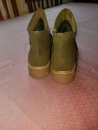 pair of brown suede slip on shoes Bronx, 10466