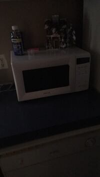 White and black microwave oven Louisville, 40216