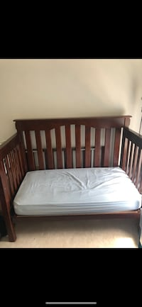 Pottery barn crib/toddler bed Sterling, 20166