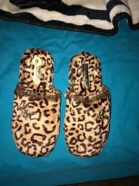 BRAND NEW MICHAEL KORS SLIPPERS  North Las Vegas