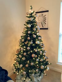 6ft pre-lit Christmas tree with decorations Fairfax, 22030