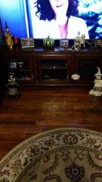 Tv stand Fall River, 02723