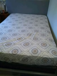 Queen bed For Sale Hyattsville, 20783