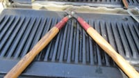VINTAGE WOODEN HANDLE HEDGE CLIPPERS Lynchburg