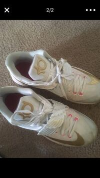 pair of white-and-pink Nike basketball shoes Columbus, 43228