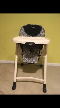 GRACO high chair  South Setauket, 11720