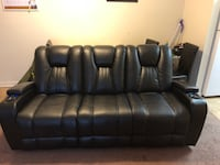 Black leather couch  Shepherdstown, 25443