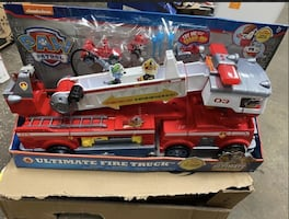 PAW Patrol Ultimate Rescue Fire Truck w/ Extendable 2 ft. Tall Ladder