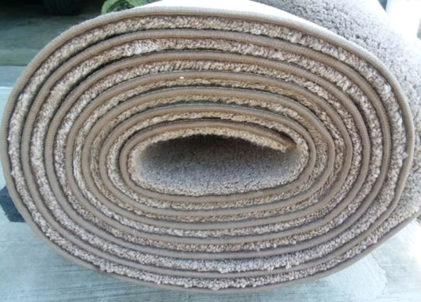 Large Carpet and Padding, JUST REDUCED! NO HOLDS! d5ff20fb-e2a0-4318-afdd-e4d6793b5439