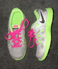 Nike Sneakers (Girls Size 2) Oil City, 16301