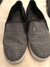 Skechers Women's  blingy slip ons size 10 US