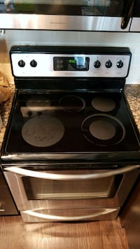 Frigidaire Gallery Stainless Steel Oven Toronto, M2K 0A3