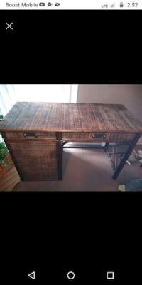 It's a wicker table good condition Columbus, 43207