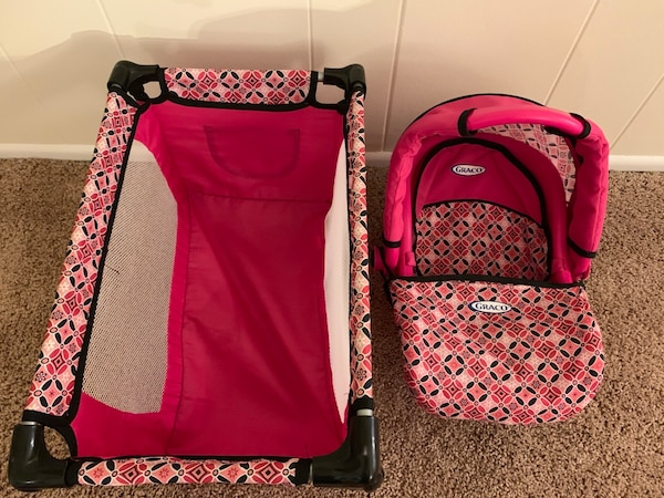 Toy crib and carseat carrier for dolls