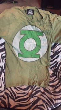 Men's Green Lantern Shirt Size Small St Catharines, L2S 3M2