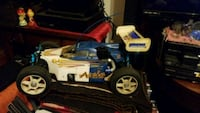 blue and white RC car Henderson, 42420