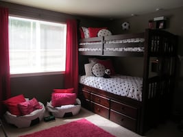 Cherry Espresso Bunk Bed with Trundle and Twin Mattresses