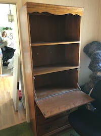 Shelf and Desk Unit Lathrup Village, 48076