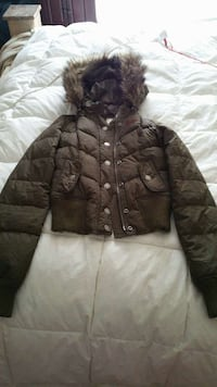Hollister jacket with fur hood.  Valley, 36854