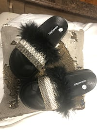 Faux fur slides sandals Sz:8 Chicago, 60629