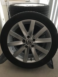 17 inch volkswagen alloy wheel with tire Toronto, M1L 0C3