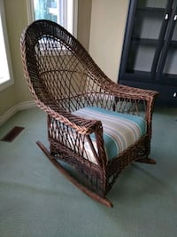 Antique wicker rocking chair  Mississauga, L5N 3K8