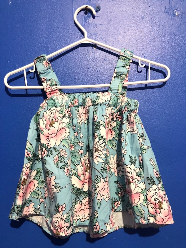 Summer clothing for $7-10 6f5d4c36-161c-471b-8382-2a9248070c37
