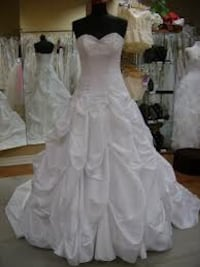 Beautiful princess wedding dress Calgary, T1Y 5X6