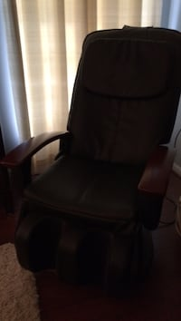 Black leather electric massage chair Purcellville, 20132