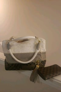 LV Purse with wallet Summerville, 29486
