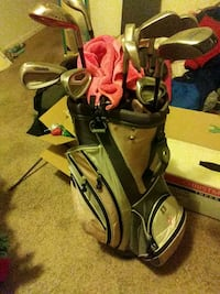 Lady Hogan golf bag set of womens clubs Pittsburgh, 15237