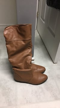 Brown women's boots size 8 good condition ! Toronto