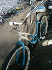 white and blue cruiser bicycle Los Angeles, 90057