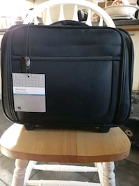 BROOKSTONE Rolling laptop case
